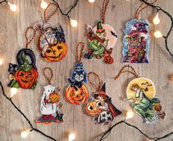 Borduurpakket Halloween Toys Kit of 8 pieces - Leti Stitch