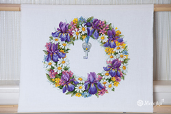 Borduurpakket Wreath with Irises - Merejka