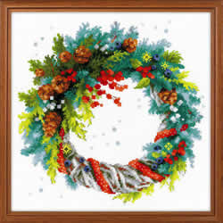 Borduurpakket Wreath with Blue Spruce - RIOLIS