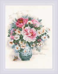 Borduurpakket Peonies and Wild Roses - RIOLIS